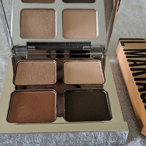 Il Makiage Eyeshadow Palette makeup
